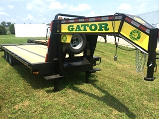 Flatbed Gooseneck Equipment Trailer